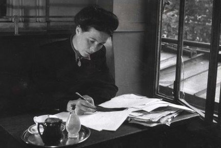 Simone de-Beauvoir